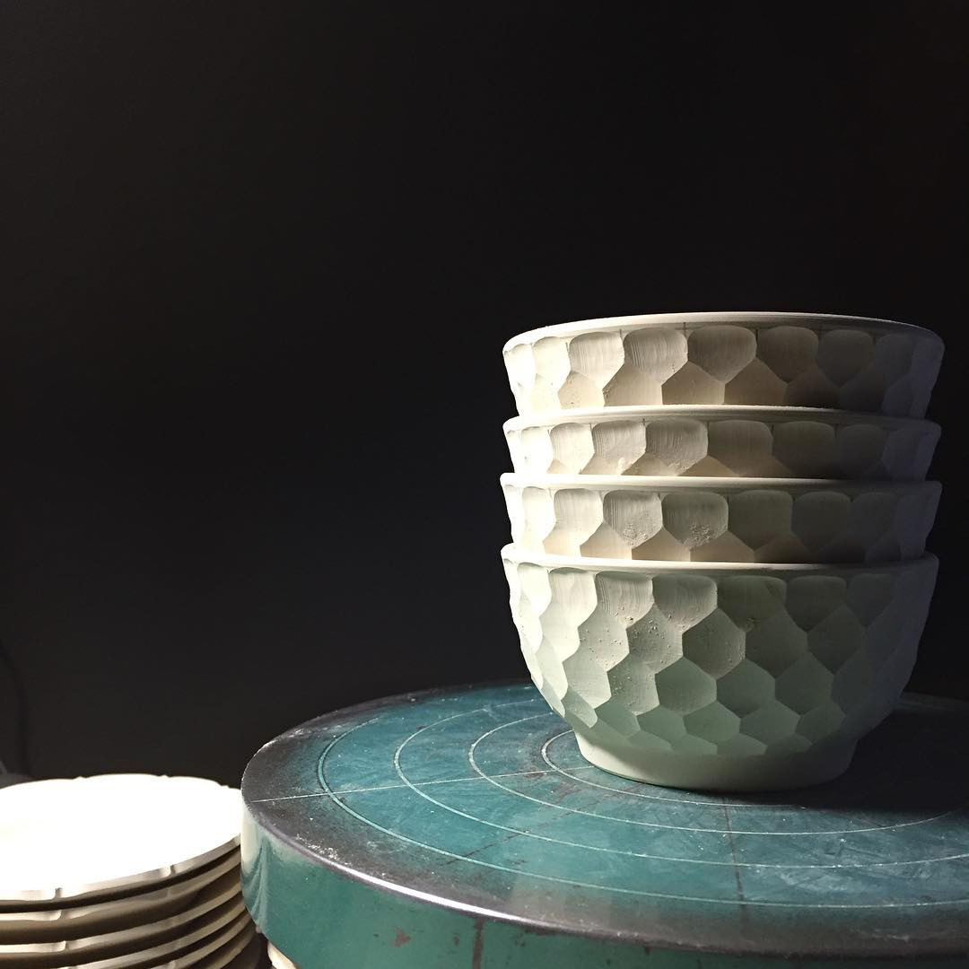 Ultra Satisfying Porcelain Carving Videos by Abe Haruya