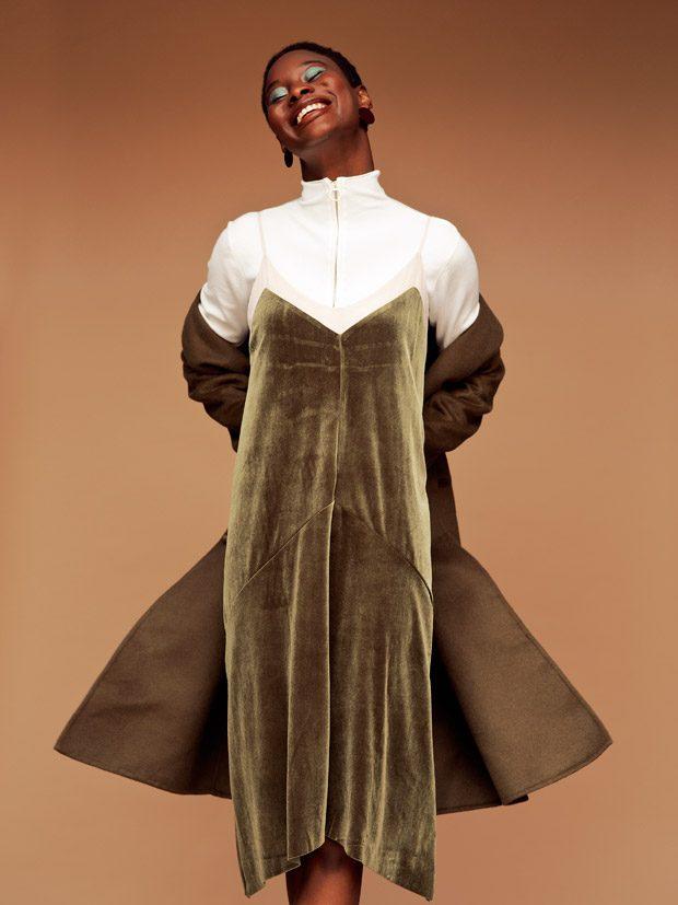 ribbed sweater Pinko pleated midi skirt Pinko crossbody bag Mango ankle boots Sam Edelman Styling: N