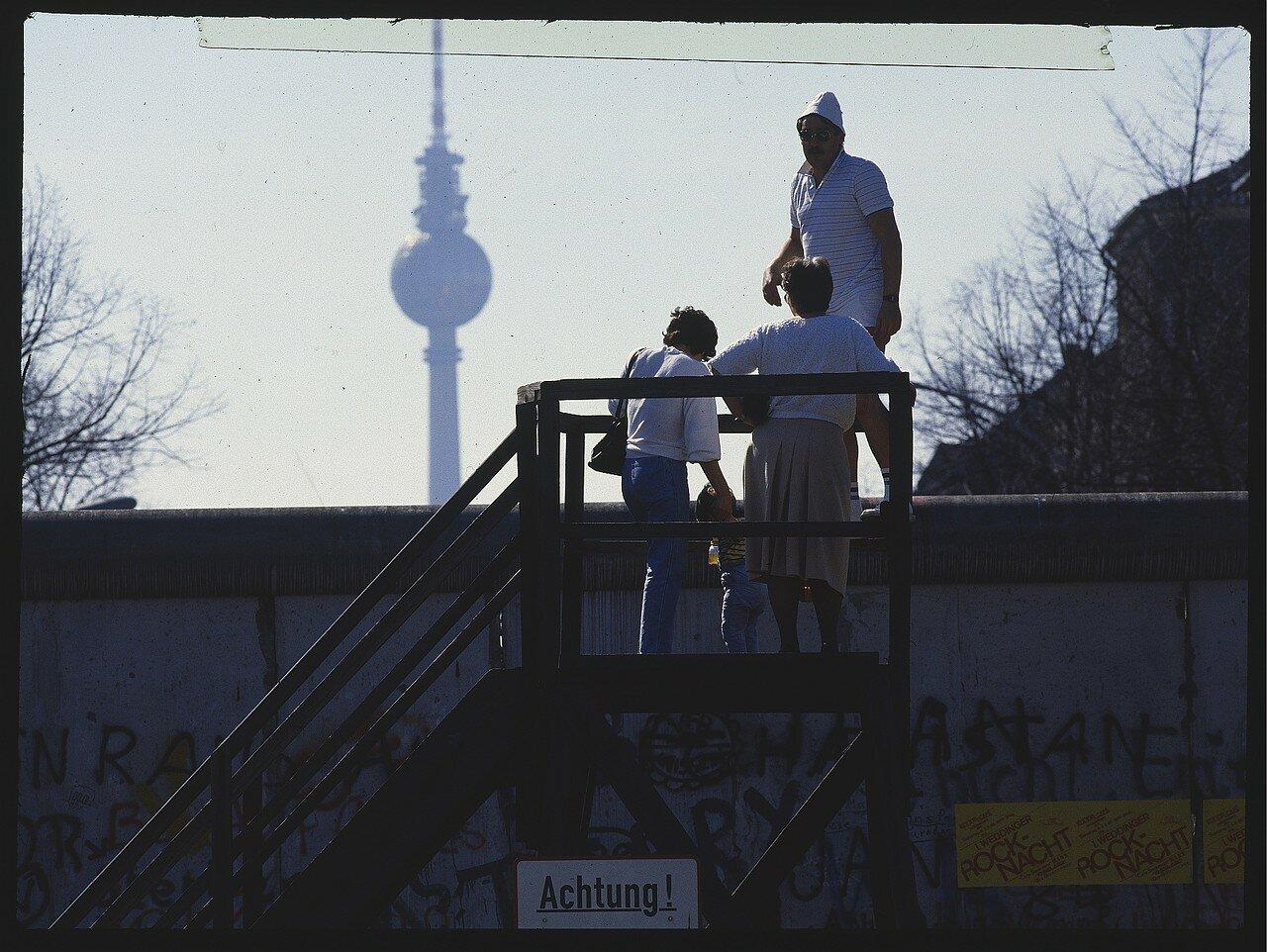 Западный Берлин. Смотровая площадка на Бернауэр Штрассе