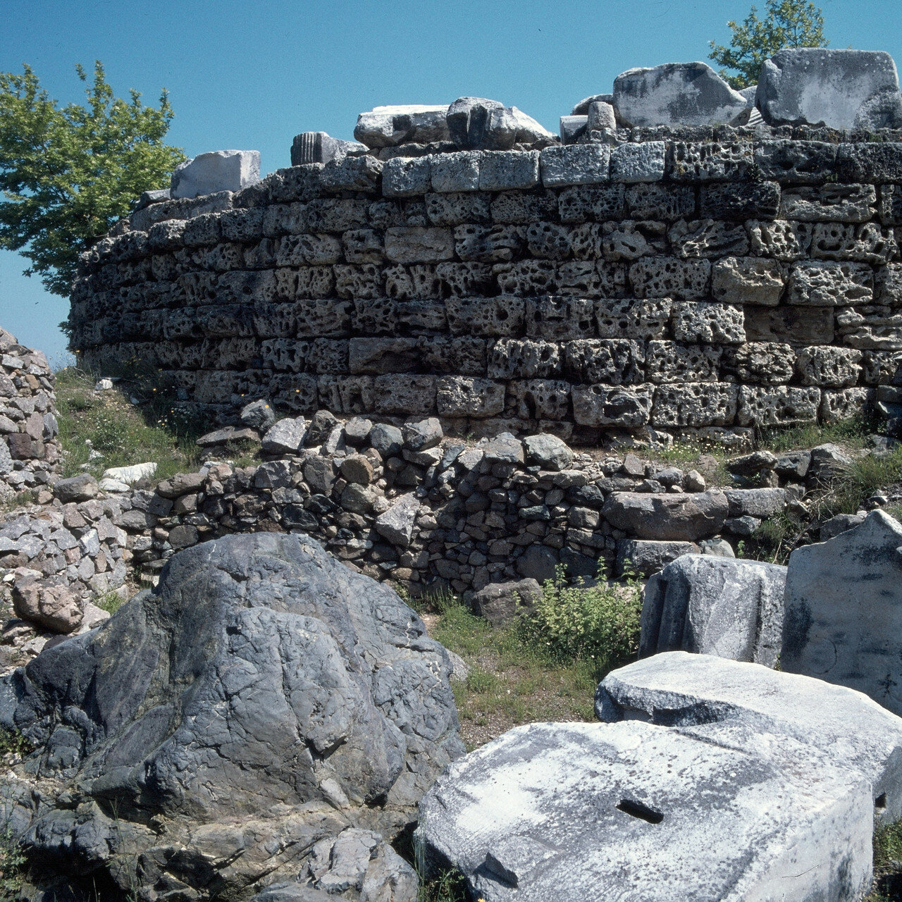 Самофракия. Небольшой акротерий Гиерону, 150-125 г. н.э.