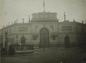 1914. Политехнический музей превратился в отделение скорой помощи