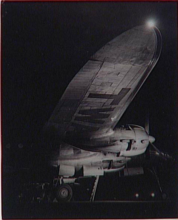 1945. Самолет компании TWA   в Орли