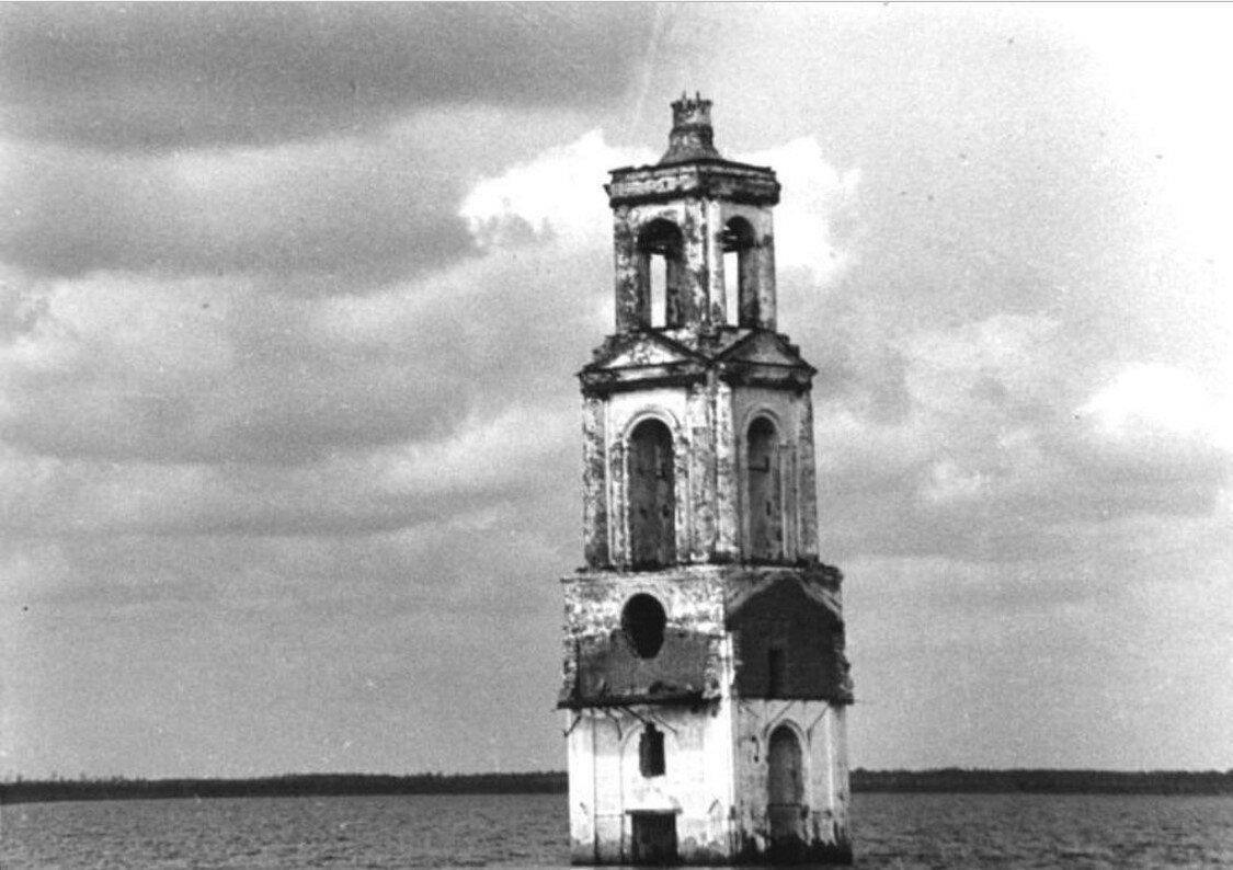 Затопленная церковь села Роя на Шексне