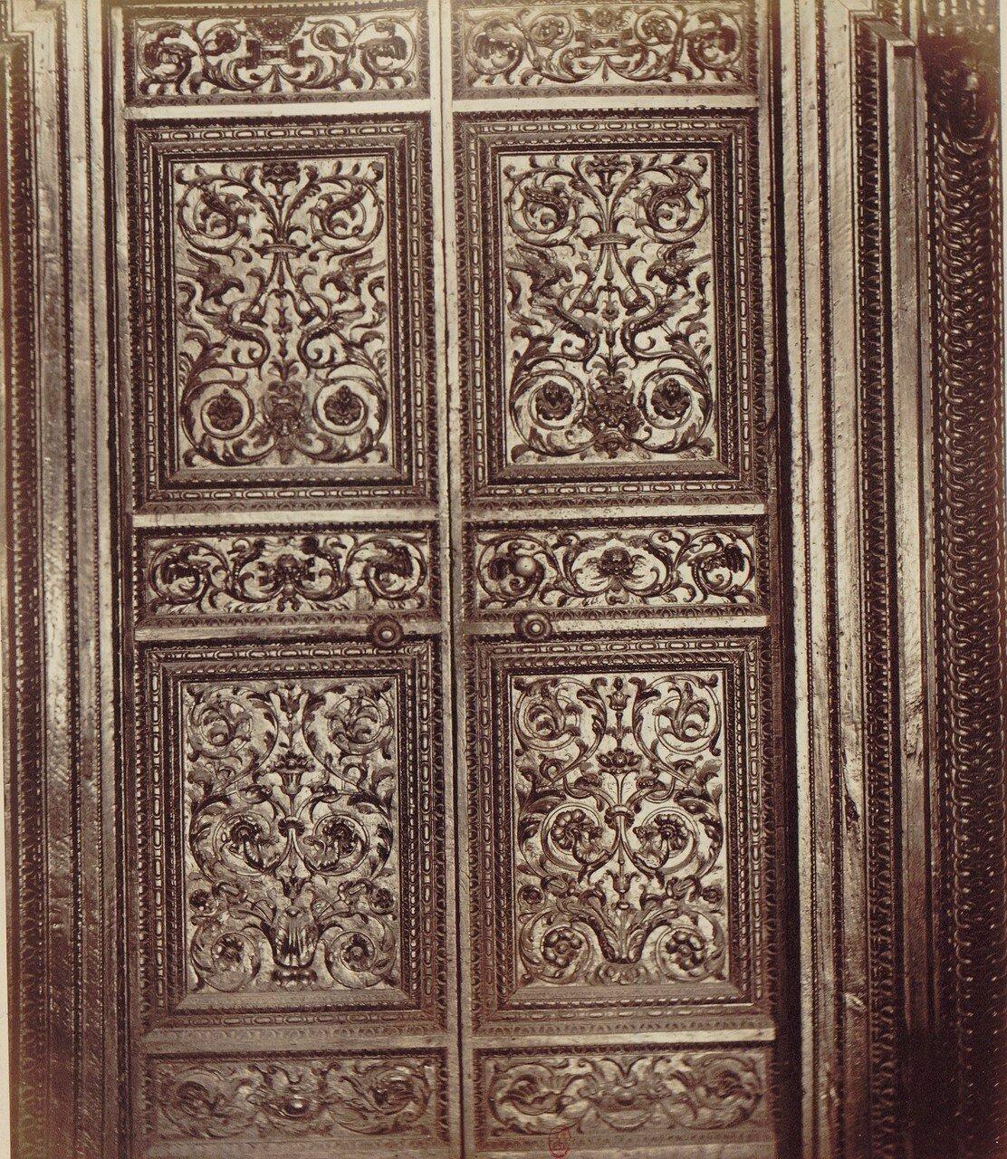 23. Капелла Сан-Северо. Дверь пятнадцатого века