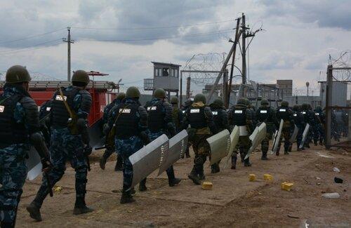 Видео погрома и штурма колонии в Хакасии появилось в сети