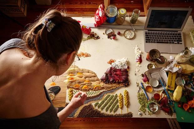 Девушка просто любила играть с едой: Необычное хобби превратилось в искусство (фото)