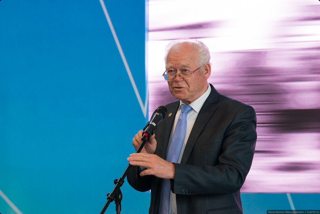 Член Общественного совета при Росавиации, заслуженный работник транспорта Российской Федерации Виктор Васильевич Горлов