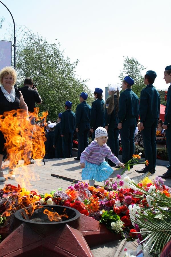9 мая 2010 год, Алчевск. Правнуки помнят