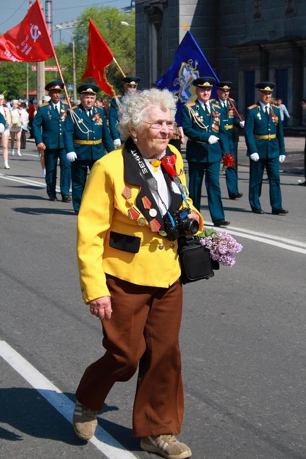 Ветераны 9 мая 2010 год, Алчевск.