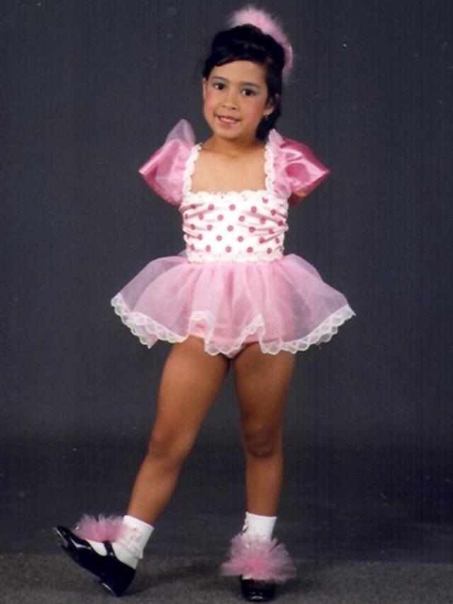 12. Активной и жизнерадостной Джессика была с самого детства.