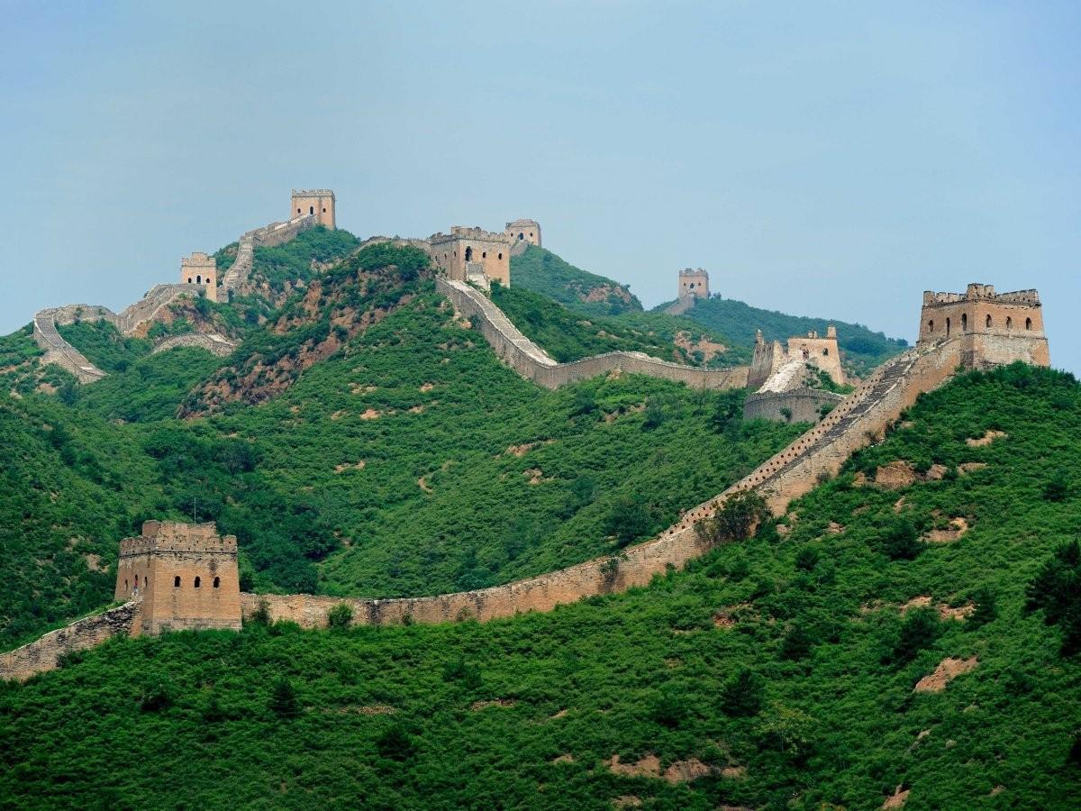 52. Пройдитесь по неотреставрированной части Великой Китайской стены.