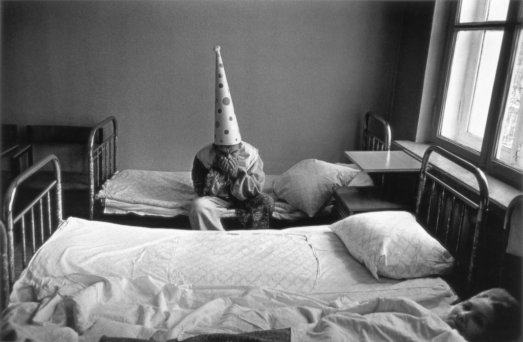 Новый год в психиатрической больнице. Москва, 1988 год. Фотограф: Павел Кривцов.