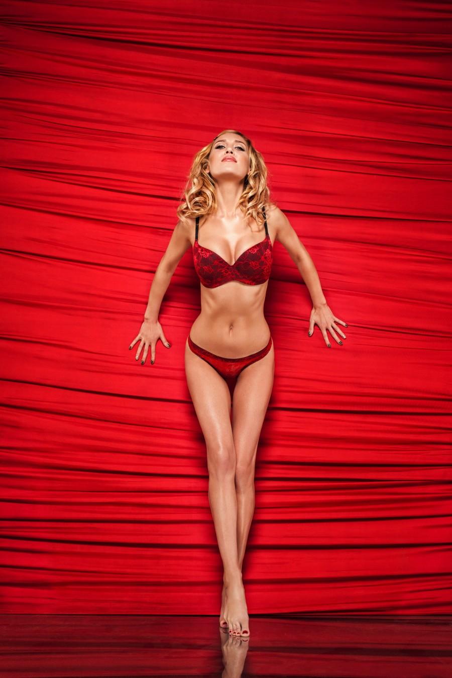 Алена Винницкая (Alain Vinnytsia) для Valentins Secret Dreams