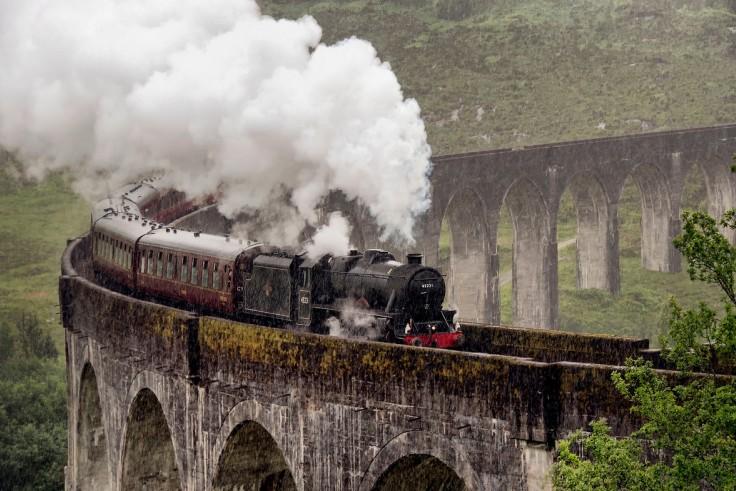 По пути из Форта Вильям в Маллэг пассажирам открываются прекрасные пейзажи: не случайно маршрут приз