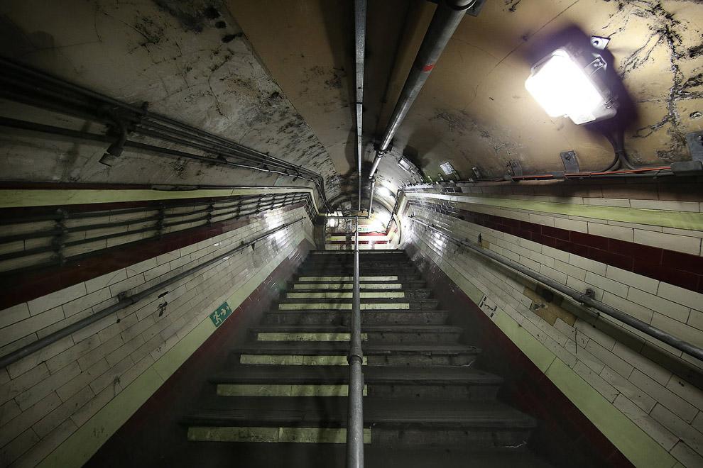 11. Дверь к тоннелю. (Фото Dan Kitwood):
