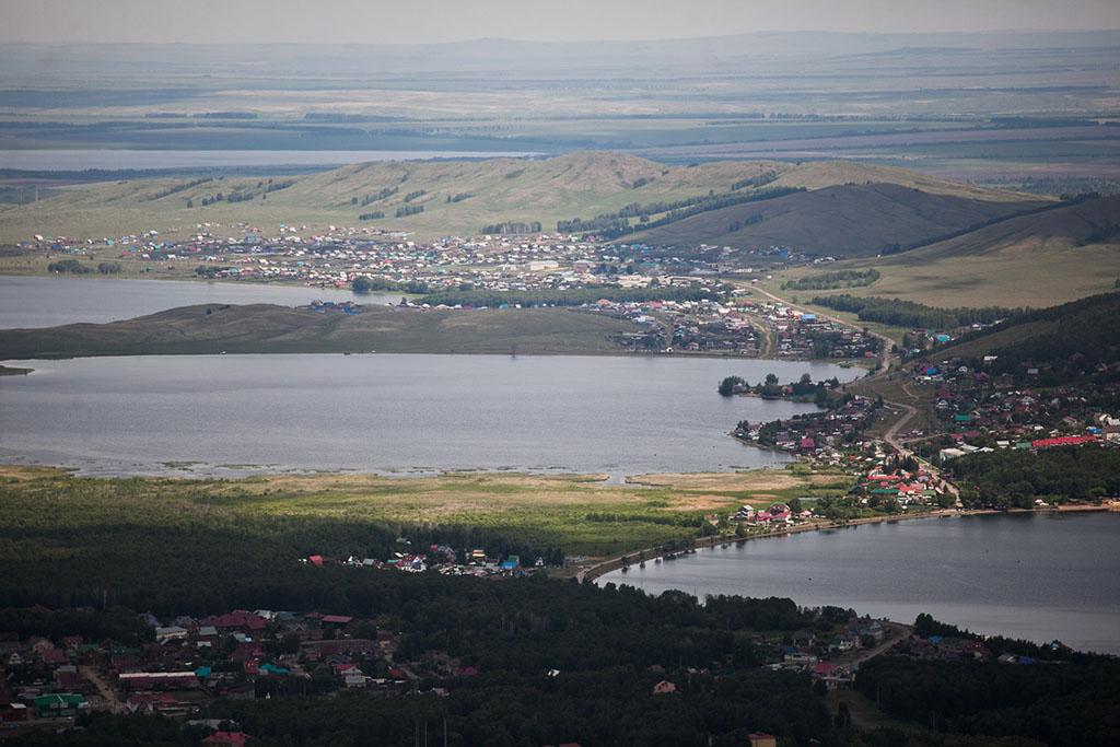 Говорят, что в ясную погоду можно увидеть вокруг все семь озер.
