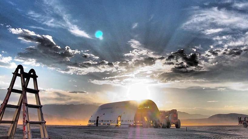 Фестиваль Burning man проходит ежегодно с 1986 в пустыне Блэк-Рок (Black Rock Desert) штата Невада.