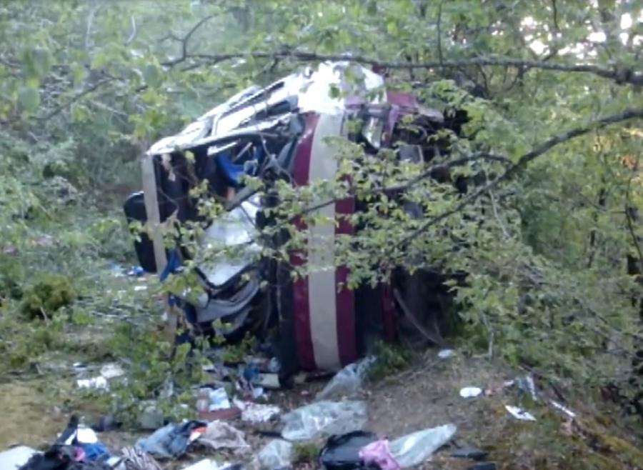 Число жертв при падении автобуса вКрыму выросло до 7 человек