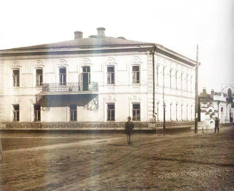 Площадь Ярославского
