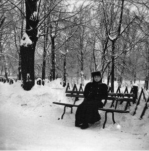 Екатерининский парк в Москве. «Рая сидит на боковой аллее»