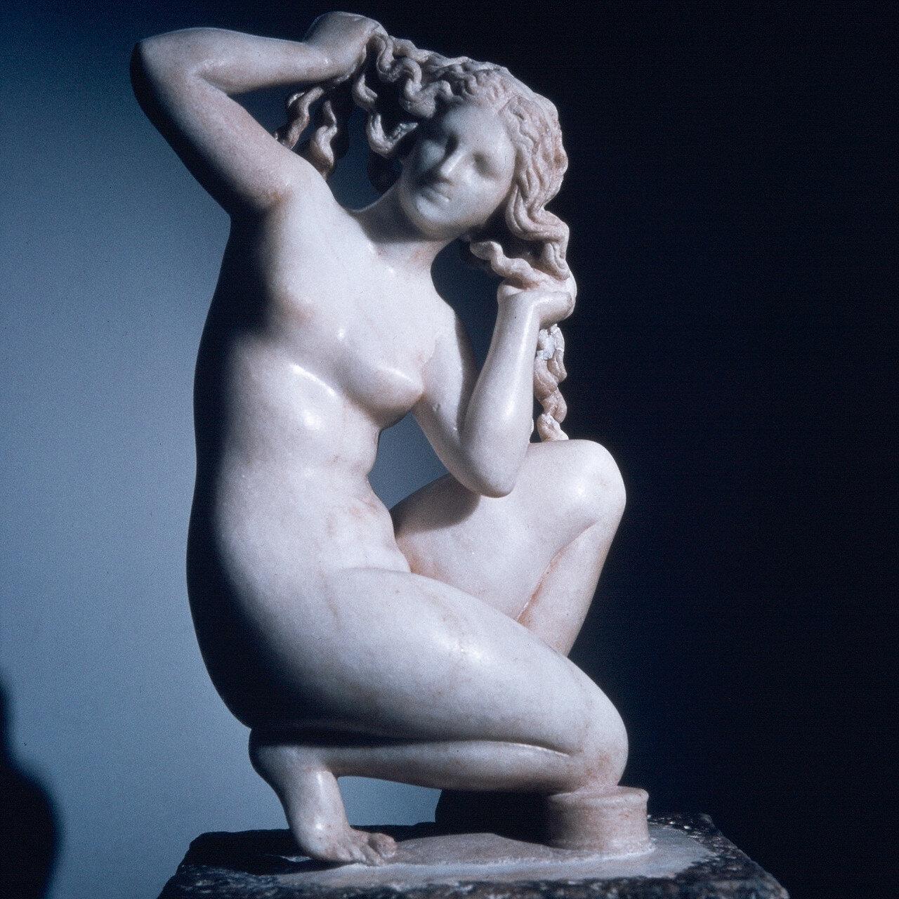 Родос, Археологический музей. Небольшая Афродита Родосская. 100 г. н.э.