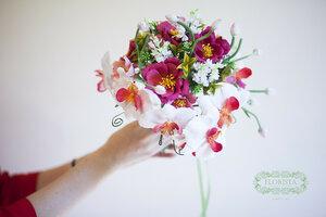 Букет из орхидей ручной работы