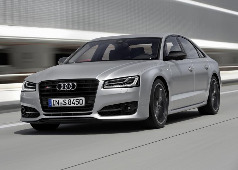 """1. Audi S8/S8 plus Цена: от 8 156 471/9 356 471 рублей Против британской """"Летящей шпоры"""""""