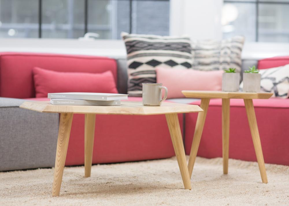 Смена цветовой палитры удивительно меняет настроение вдоме. Для весеннего декора стоит выбирать теп