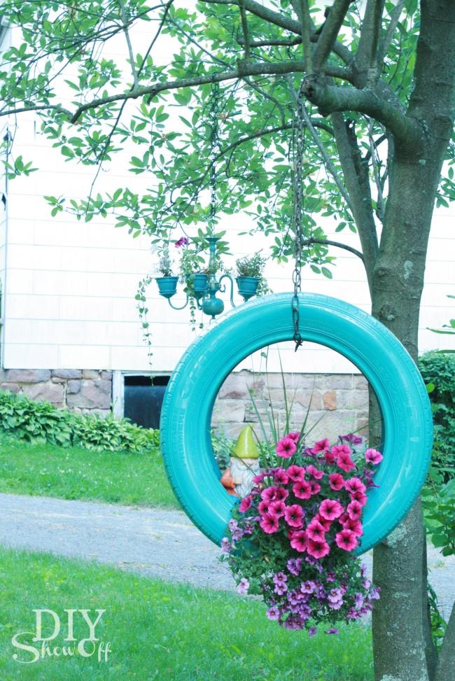 Ещё один вариант того, что можно сделать сненужной шиной: почемубы непосадить внеё цветы