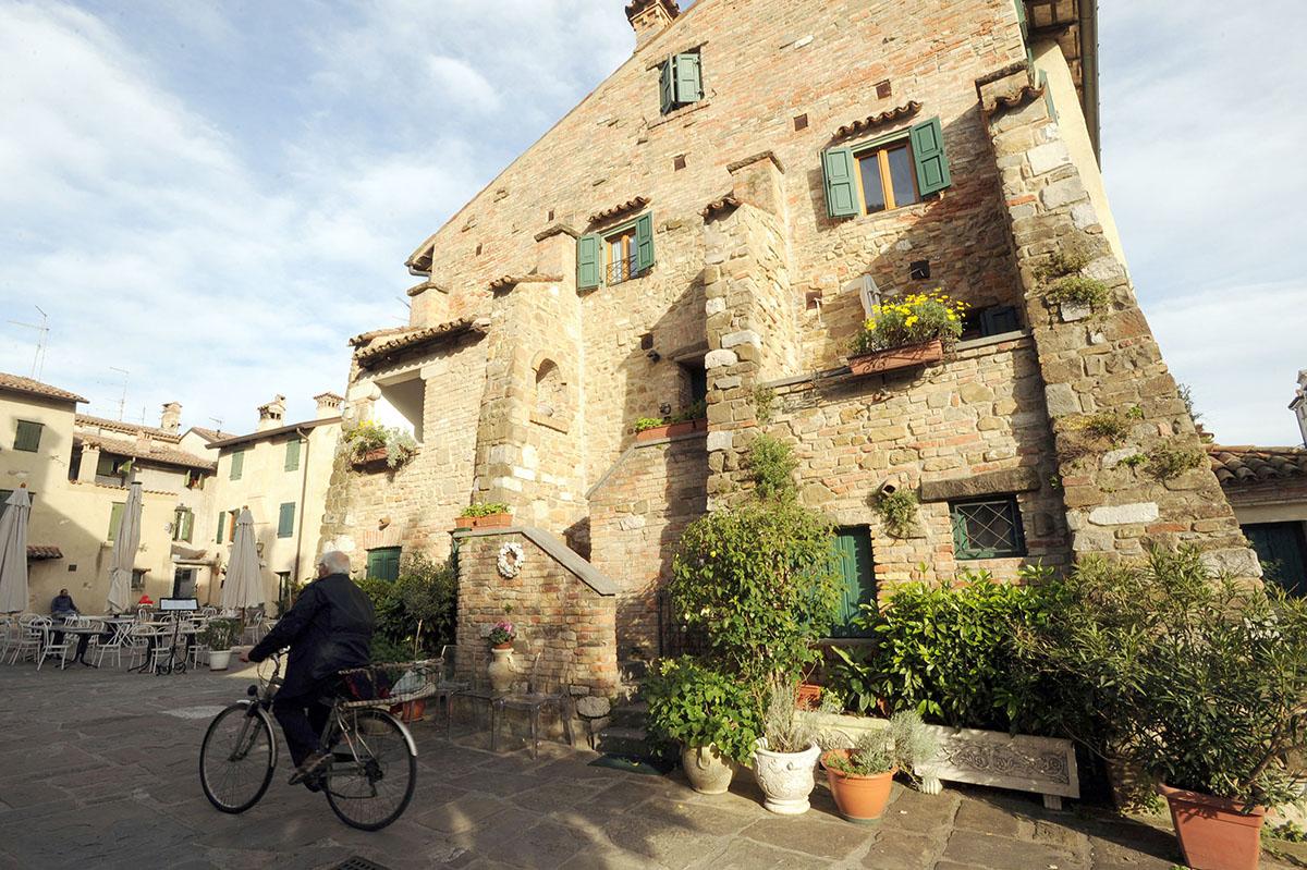 1. Градо — город в итальянской провинции Гориция, в лагуне устья реки Изонцо.