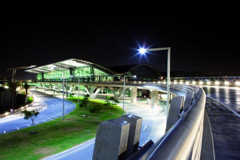 Годовой пассажиропоток: 30 млн человек. Компания Skytrax описала аэропорт как «выразительное с архит