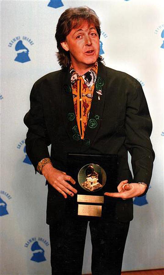Пол выиграл 15 (!) «Грэмми», как в составе The Beatles, так и за сольную карьеру. Первую награду он