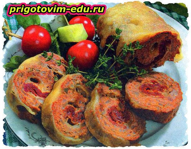 Мясное полено с вялеными томатами