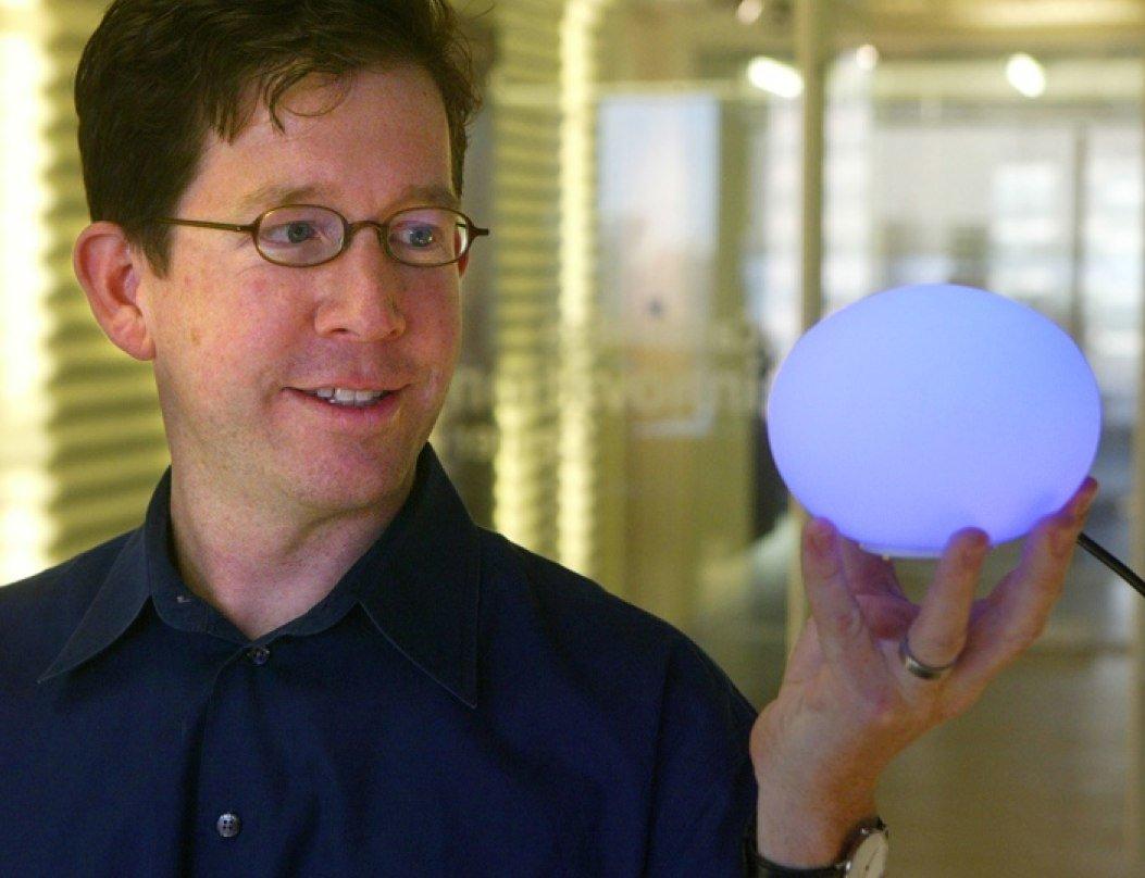 Дэвид Роуз и шар AmbientOrb.jpg