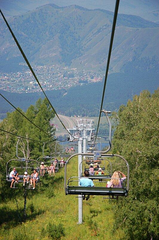 Алтай, подъемник возле озера Манжерок (Altai, lift near Lake Manzherok)