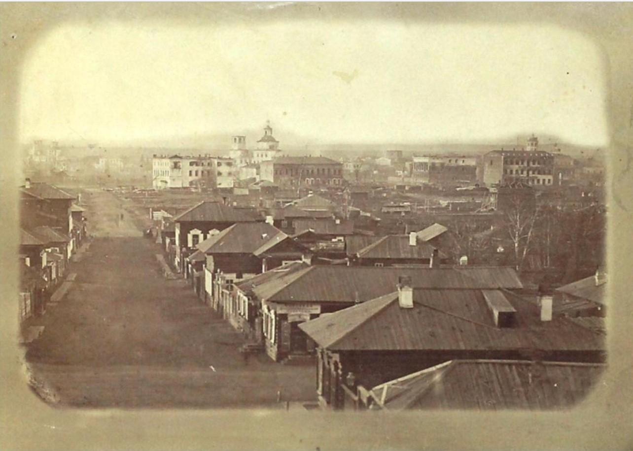 Вид сгоревшей части города 22-24 июня 1879 г. от 3-й Солдатской в сторону р. Ушаковки