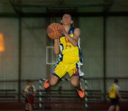 12 Баскетбол апрель 2018 NIKON D60.jpg
