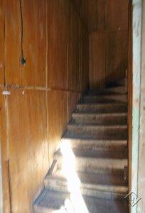 Узкая лестница