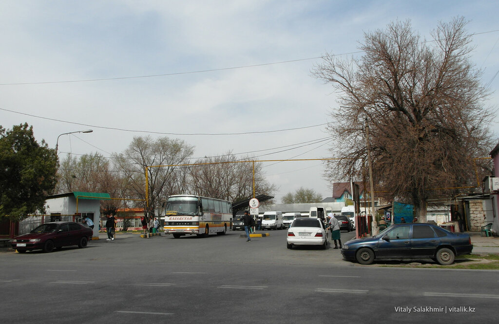 Автовокзал на Володарского в Шымкенте