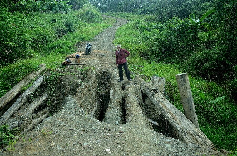 Дорога Город Соронг на Западном Папуа в Индонезии Город Соронг на Западном Папуа в Индонезии 0 1b0fc5 ce7453b6 XXL