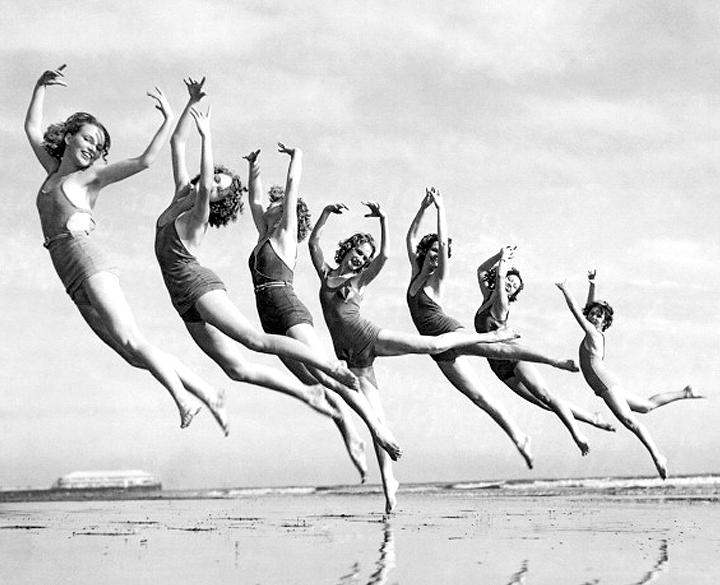 Lillian Newman dancers at Long Beach, California, March 16, 1934.jpg