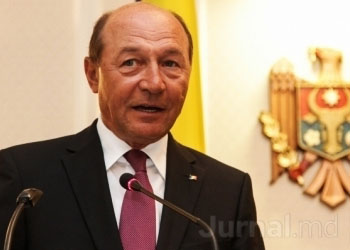 Бэсеску: Политический подход Молдовы очень рискованный