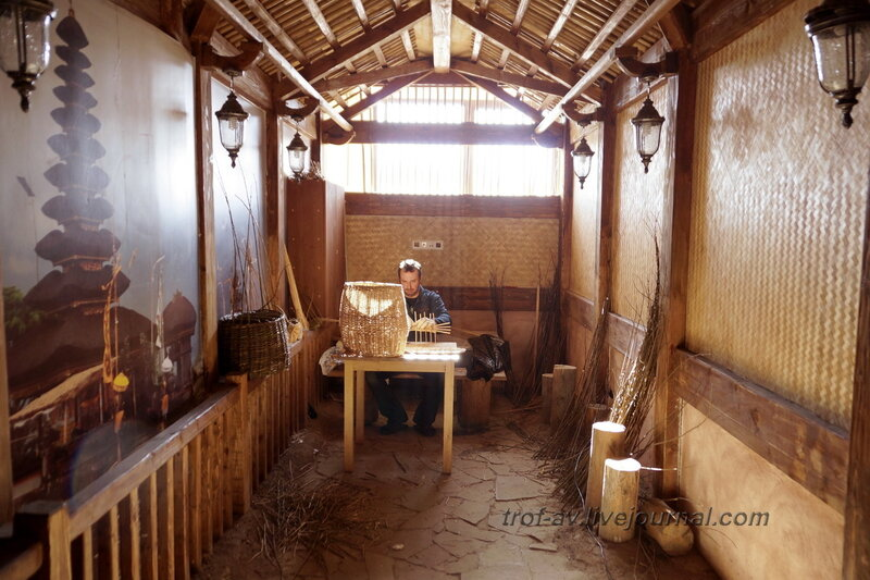 Экспозиция Индонезии и Малайзии. Этномин, крытый павильон (улица Мира), Калужская обл.