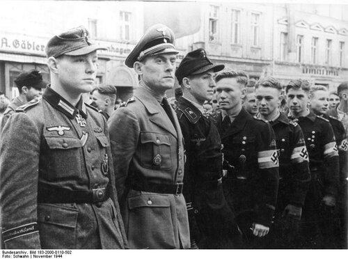 Einrьcken von Kriegsfreiwilligen, Ritterkreuztrдger