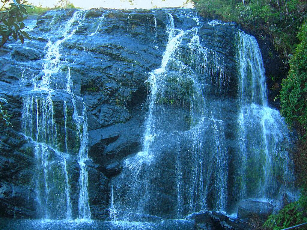 Водопад в национальном парке Хортон Плейнс