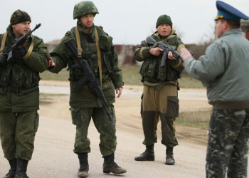 В Крыму прозвучали первые выстрелы