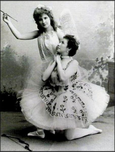 40 Вера Трефилова и Матильда Кшесинская.jpg