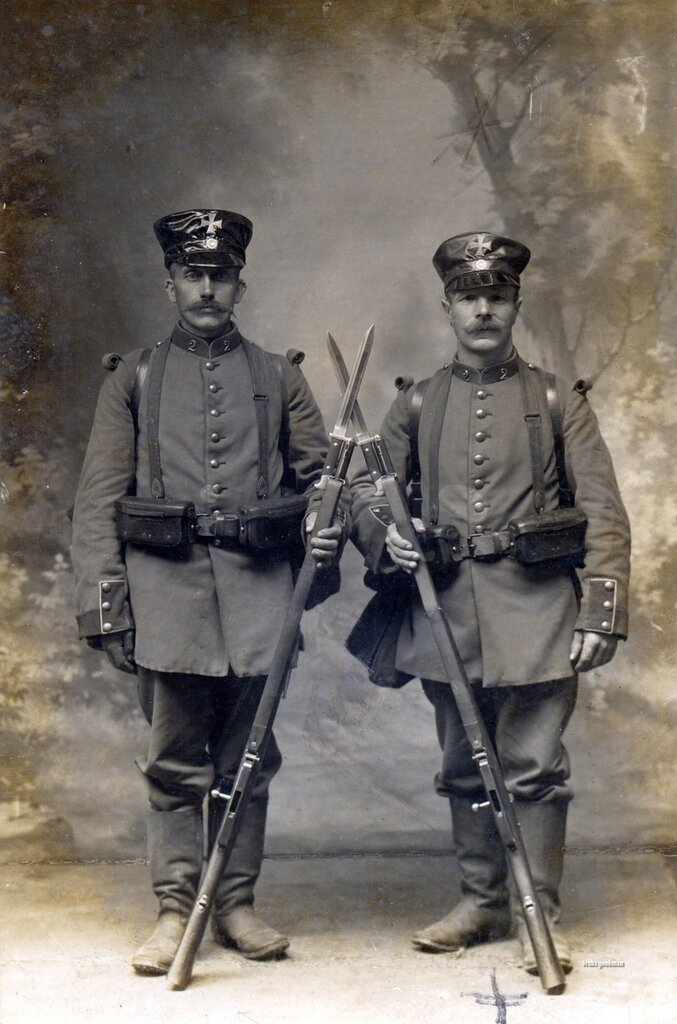 A pair of Landsturmmanner from the 2. Bavarian Infanterie Brigade (Repaired photo)
