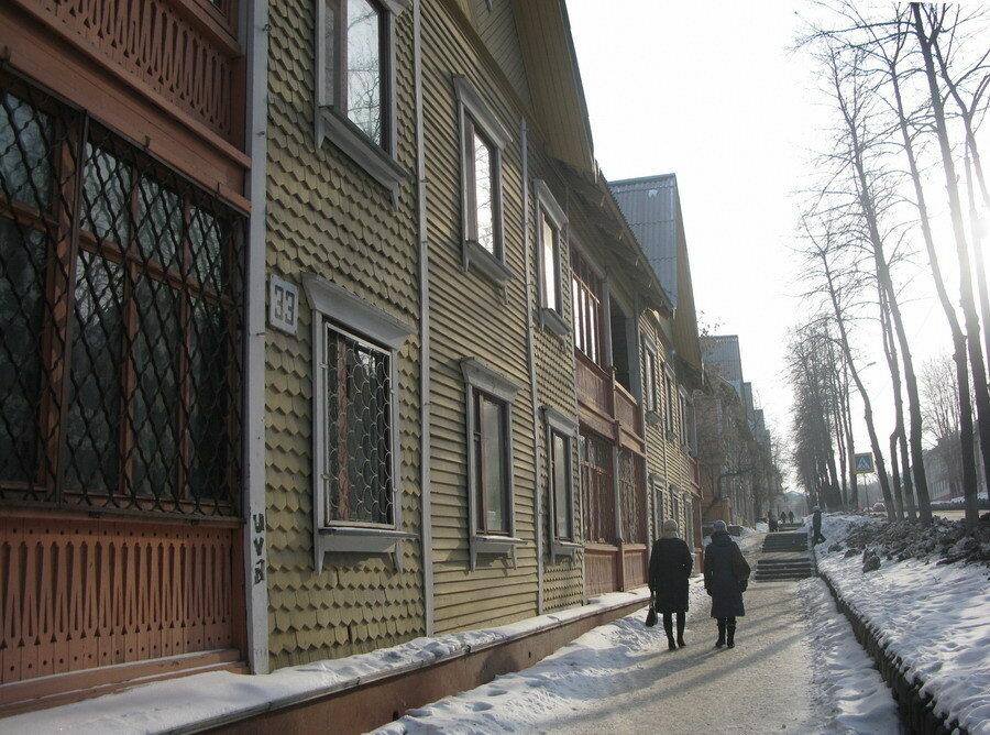 Прервые дома на улице Ленина