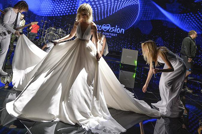 Полина Гагарина с делегацией вылетает в Вену для участия в Евровидении